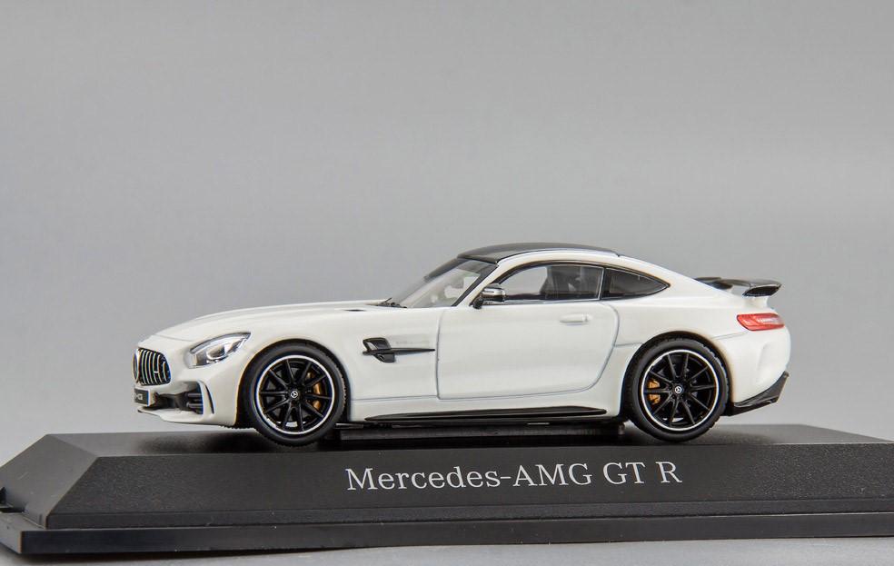Модель Mercedes-AMG GT R (C190),Coupé, Scale 1:43, Designo Diamond White