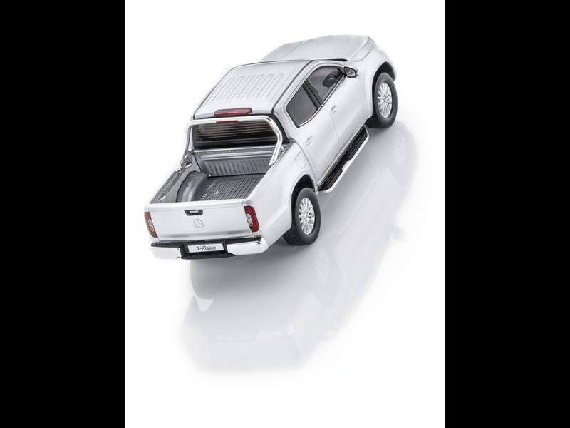 Модель Mercedes X-Class, Diamond Silver, 1:43