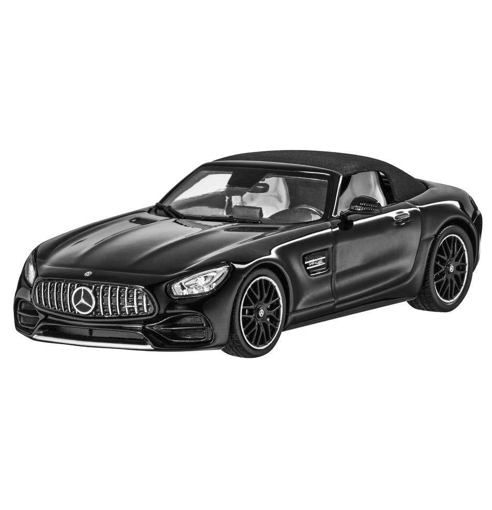 Модель автомобиля Mercedes-AMG GT родстер