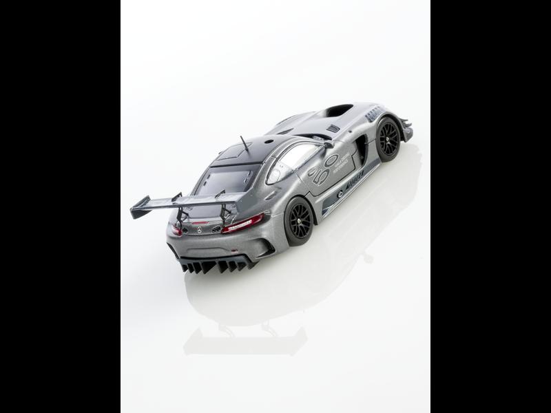 """Модель AMG GT3, 50 лет AMG, """"Серый селенит"""" magno, 1:43"""