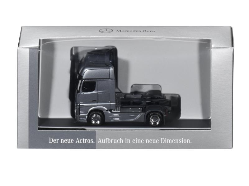 Модель Actros, двухосный, Седельный тягач