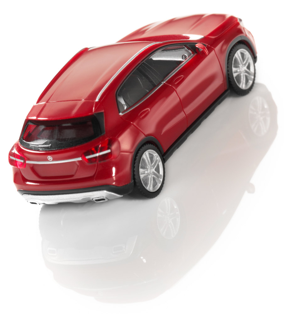 Модель автомобиля GLA, 1:87, красный