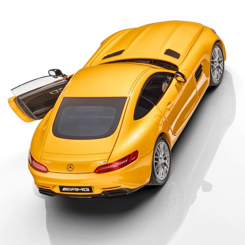 Модель спортивного автомобиля Mercedes-AMG GT S, 1:18