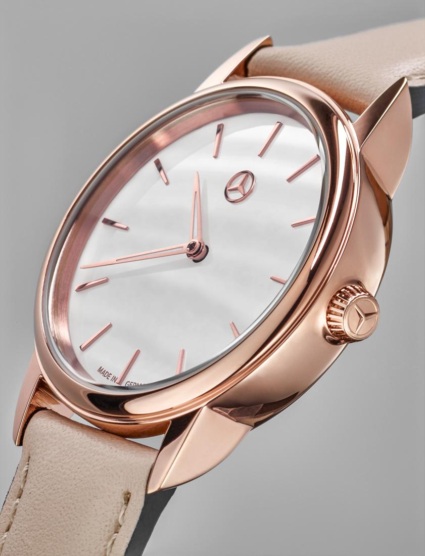 Часы женские Basic
