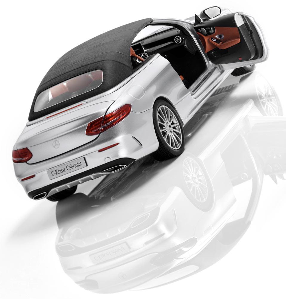 Модель автомобиля C-Класса кабриолет, 1:18, серебристый