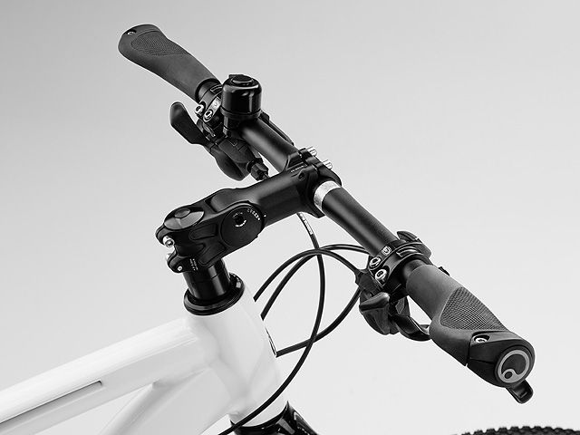 Велосипед Mercedes-Benz Fitness Bike 29, белый / Серебристый, 55 см