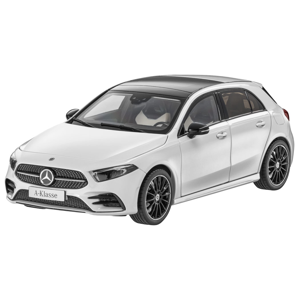 Модель автомобиля A-Класса AMG Line W177, белый