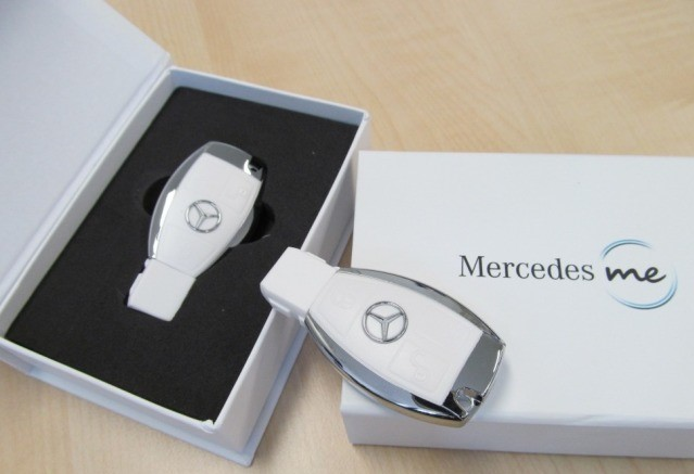 Флешка Mercedes-Benz USB-Stick, 8 GB, White Case