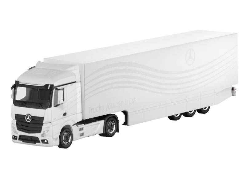 Модель Actros, FH25 StreamSpace, Седельный автопоезд белый, Herpa, 1:87