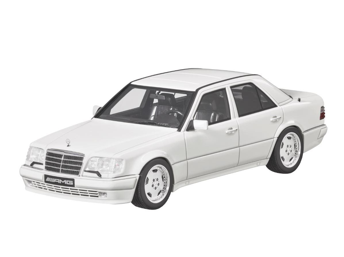 Модель автомобиля E60, W 124