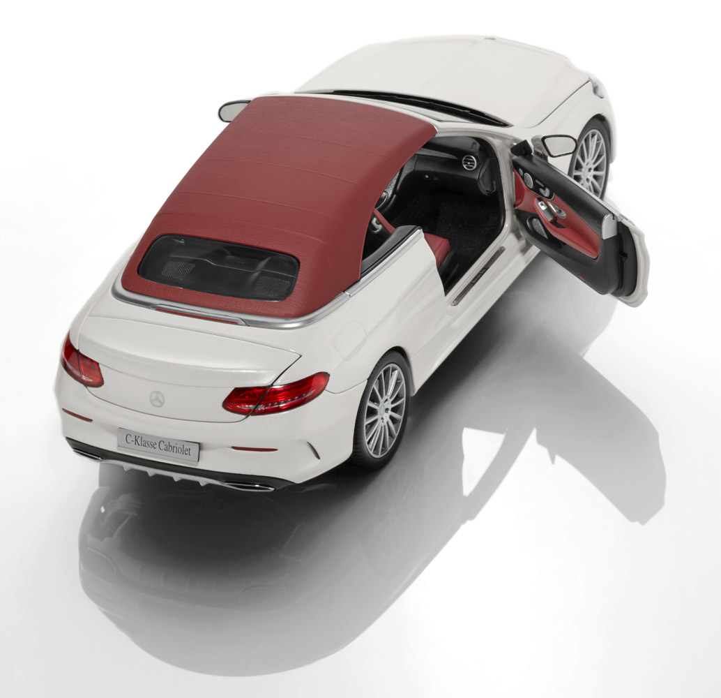 Модель автомобиля C-Класса кабриолет, 1:18, белый