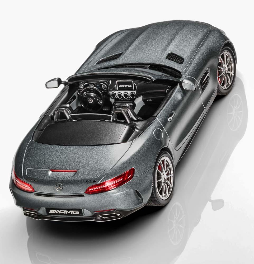 Модель автомобиля Mercedes-AMG GT C родстер, серый