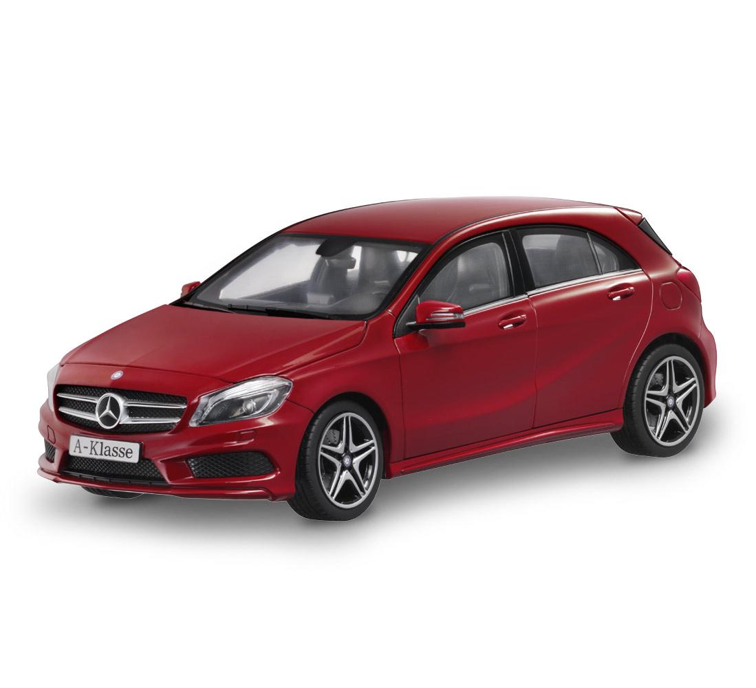 Модель автомобиля A-Kласс, Спорт-пакет AMG,1:18, красный
