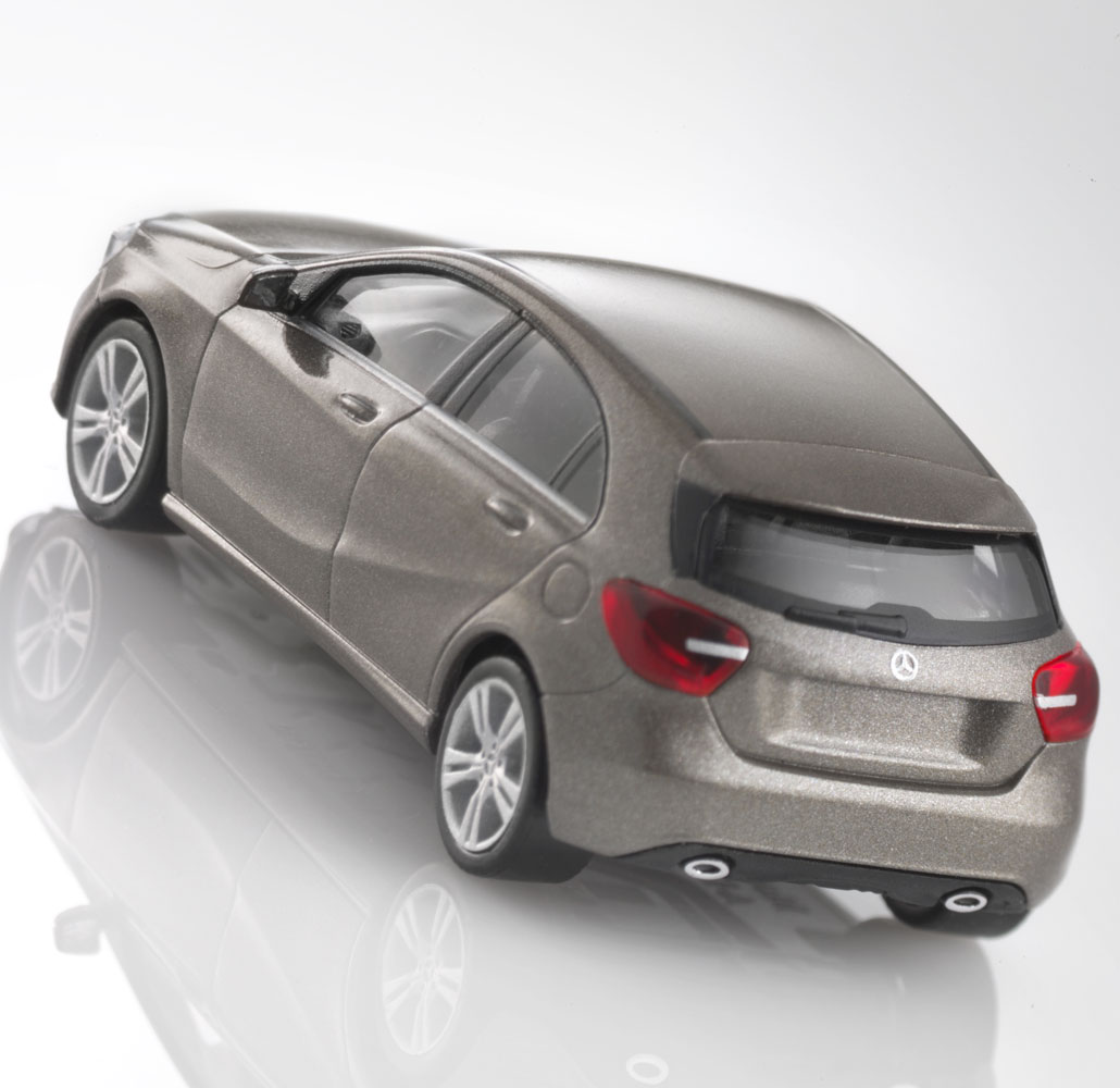 Модель автомобиля A-Kласса,1:87, серый